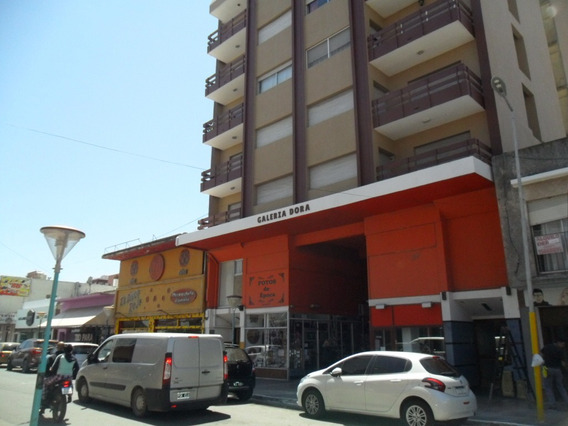Cochera En Calle 1 E/ 13 Y 19 Edificio Dora (cod. 1036)