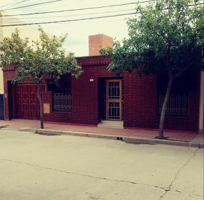 Casa En El Centro Con Pileta De 4 Dormitorios Con Baño