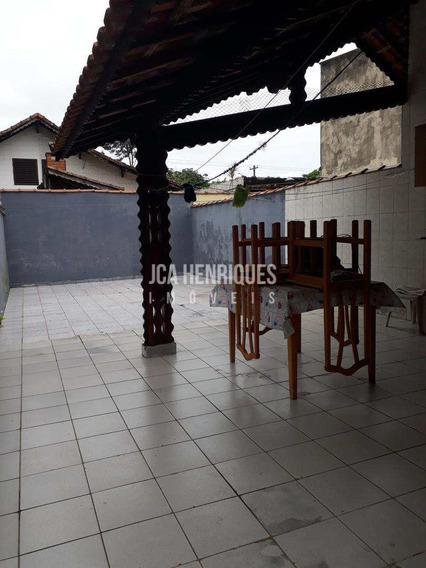 Casa Com 3 Dormitórios No Canto Do Forte - V496