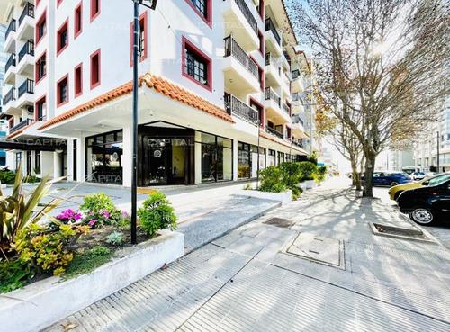 Excelente Local Comercial En Alquiler - Punta Del Este-ref:31042