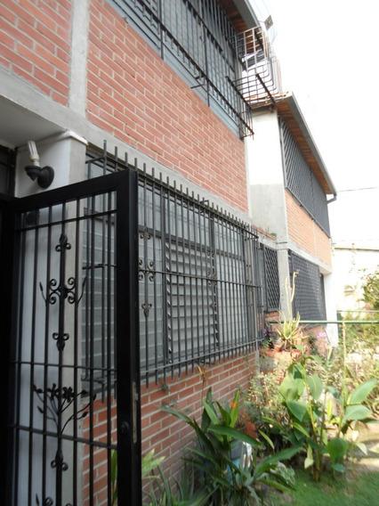 Casa En Venta Urbanización Castillejo Guatire 04242802314