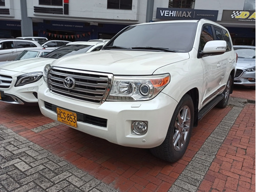 Toyota Land Cruiser 200 2013 4.5 Imperial