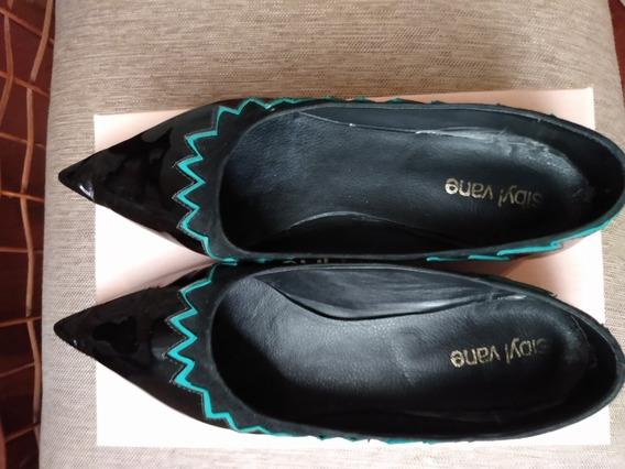 Zapatos Chatos, Cuero Charolado Negro. Talle 40. Sibyl Vane