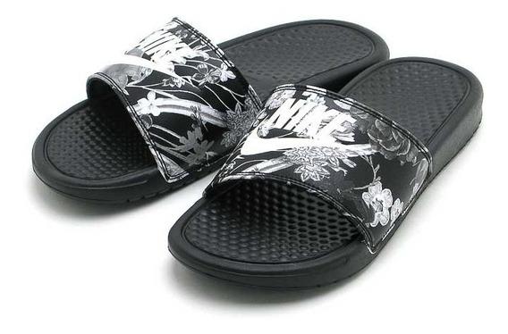 Ojotas Nike Benassi Mujer Negra Floreada