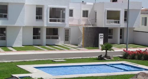 Casa En Condominio Con Alberca Y Estacionamiento De Visitas