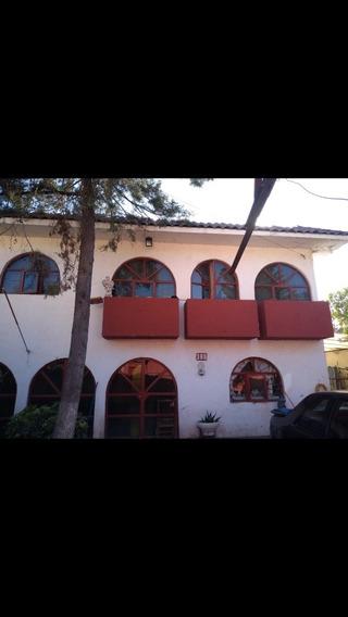 Casa Habitacion Muy Amplia Y Amplio Jardin