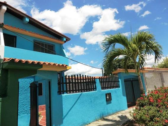 Casa En Venta 4 Habitacion,3 Baños, Los Canales De Rio Chico