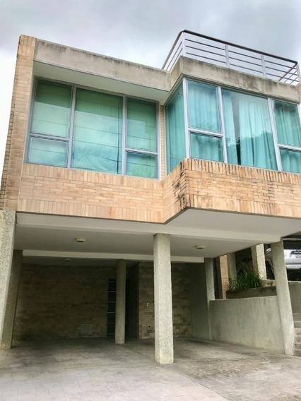 Town House Exclusivo De Pocas Familias En El Parral 400 Mtrs