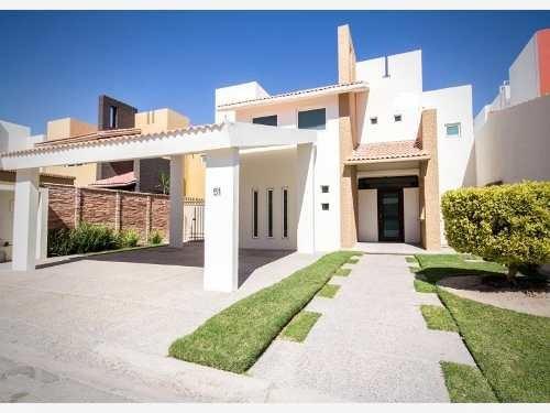Casa Sola En Venta Rincón San Ángel