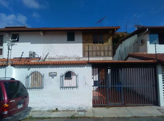Casa En La Trinidad - Venta. Pg 04143042488
