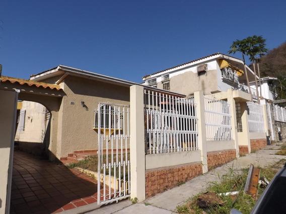 Casa En Venta En El Trigal Norte Valencia Cod 20-12935 Akm