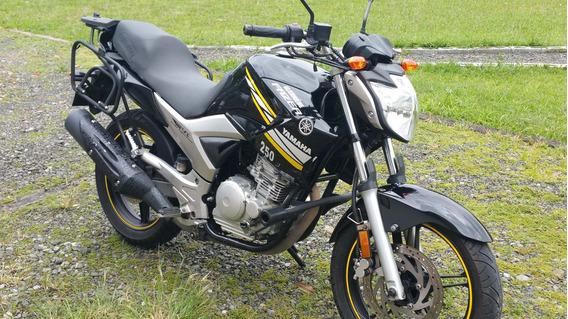 Yamaha Fazer 250 Injection. Mejor Cuidada No Se Consigue