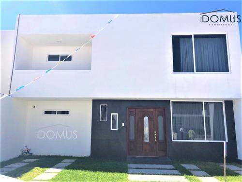 Imagen 1 de 14 de Amplia Casa En Fraccionamiento Villas De La Concepcion
