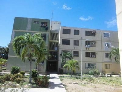 Apartamentos En Venta Cumaná. Av Carupano Urb Gran Mariscal