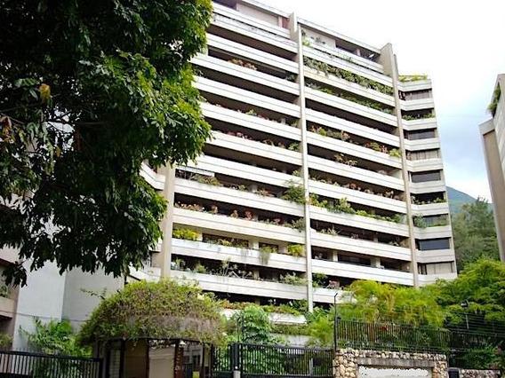 Apartamento En Alquiler En Altamira Mls #19-16428