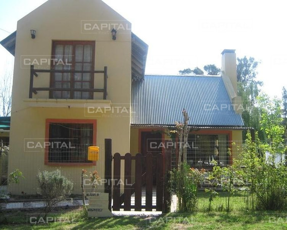 Casa De Tres Dormitorios En La Barra- Ref: 25402