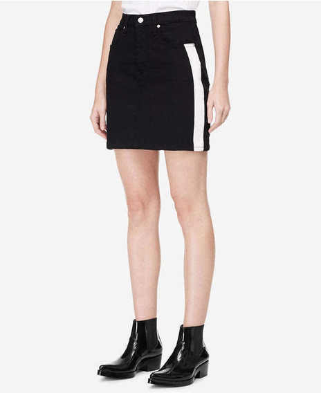 Falda Calvin Klein. Talla 4.