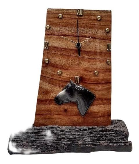 Relógio De Mesa Rústico Madeira Cavalo Resina Epoxi