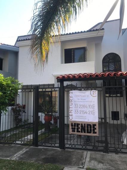 Casa En Venta En Colonia Mirador De San Isidro