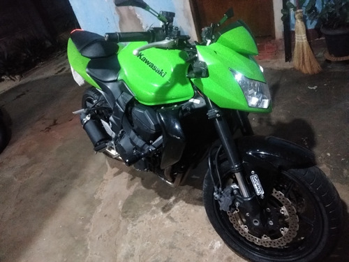 Moto Kawasaki  Z 750 2011