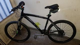 Bicicleta Fuji Tahoe 1.0 Rod 26 Shimano Deore Xt Rockshox