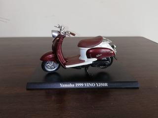Miniatura Motocicleta Yamaha 1999 Vino Yj50r 1:18