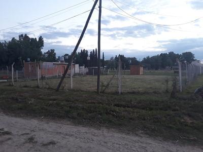 Excelente Esquina En Domselaar A 1 Cuadra Del Barrio Cerrado