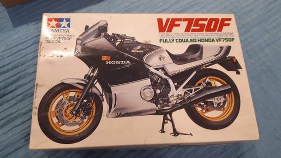 Tamiya Vf750 Honda Escala 1/12