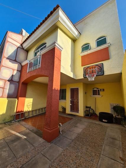 Casa Por Hermosa Provincia