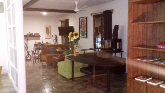 Departamento En Renta Calle Ezequiel Montes, Centro