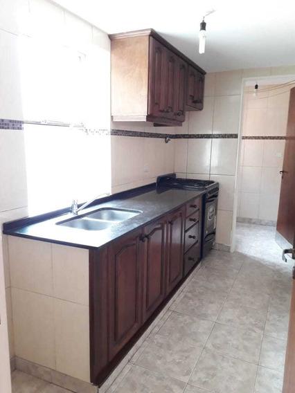 Depaetamento 3 Dormitorios, Living Comedor, Cocina Y Lavader