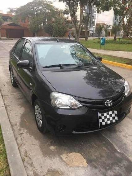 Toyota Etios Full 1.5 Sedan