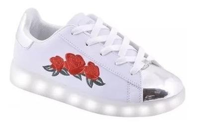 Zapatillas 47 Street Flores Rojas Led Usb Fty Calzados