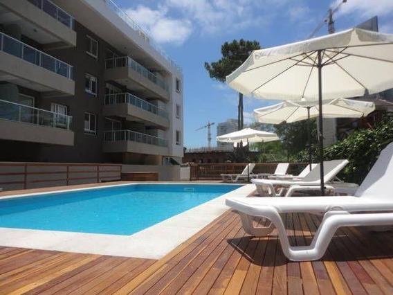 Vende Design District Punta Del Este 1 Dorm Y Medio