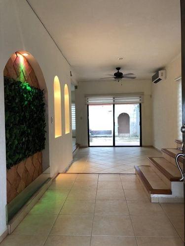 Hermosa Y Muy Amplia Residencia En La Mejor Zona De Cancun