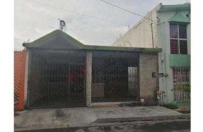 Casa En Venta En Las Puentes 15 Vo. Sector, San Nicolás De Los Garza , Nuevo León