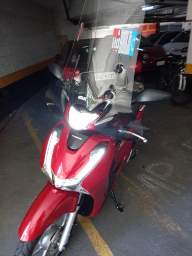 Moto Honda Shi 150