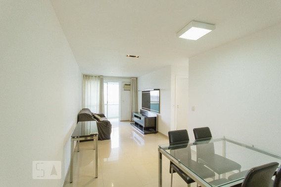 Apartamento No 6º Andar Mobiliado Com 2 Dormitórios E 2 Garagens - Id: 892946310 - 246310
