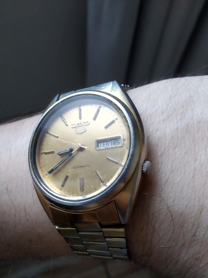 Belo Seiko 5 7009-3040 Z Dourado Vintage Fabricado 10/1980