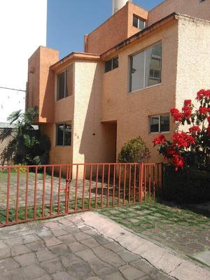 Casa En Condominio 4 Rec, 3.5 Baños, 2 Estacionamientos