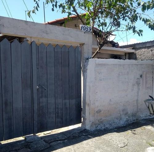 Casas - 3 Dormitórios             - 1082