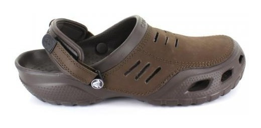 Sandalia Hombre Crocs Yukonsport-013315 Color Espresso/espre