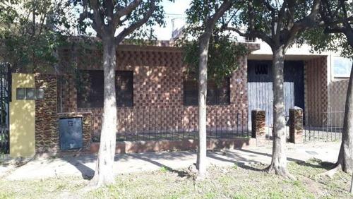 Venta De Casa 3 Ambientes En Castelar
