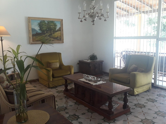 Casa En Venta En El Castaño Maracay Zp 20-6811