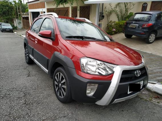 Toyota Etios Cross Vermelho 2016/2016 Garantia De Fábrica
