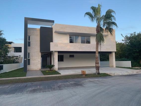 Hermosa Residencia A Estrenar En Privada Cutzam Dentro Del Y