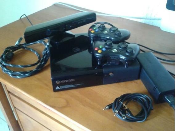 Xbox 360, Dois Controles + Kinect + Carregador + Dois Jogos