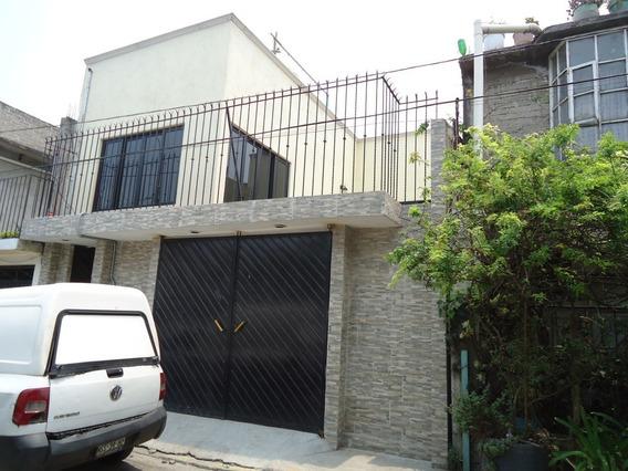 Hermosa Casa En Cerrada, Gran Estado Cerca De La Corona R1