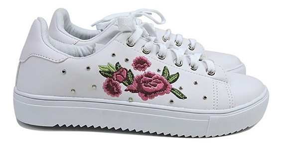 Tênis Branco Bordado Floral