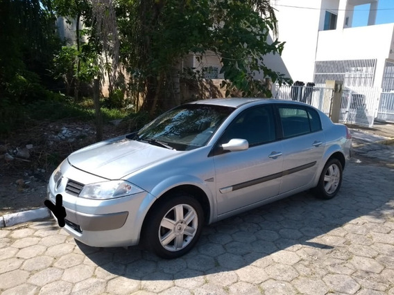 Renault Megane Sedan Dynamique 1.6 16v (flex) 2007 4 Portas